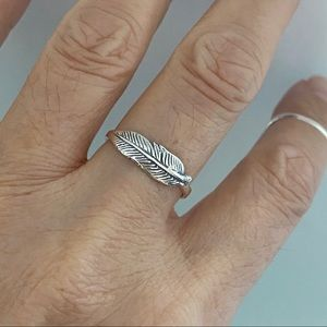 👼👼NEW👼👼Sterling Silver Small Feather Ring